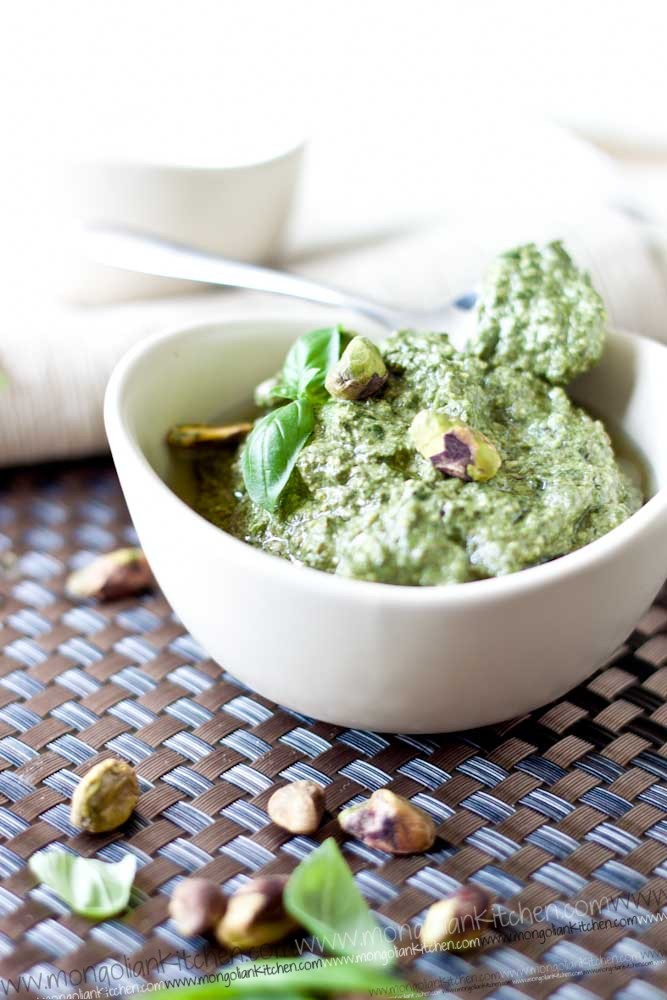 how to make pistachio pesto