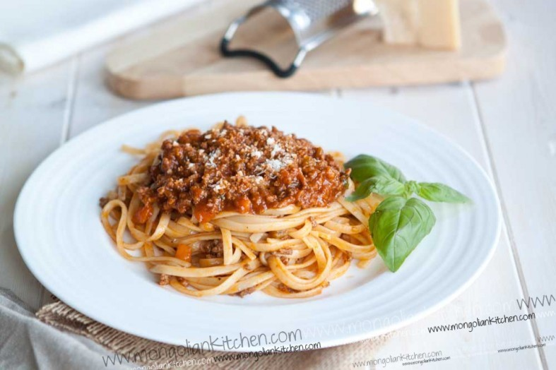 Beef Bolognese recipe - best bolognese slow cooked sauce